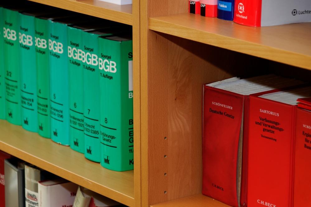 bookcase-335851